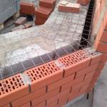 Возведение стены из керамзитоблоков